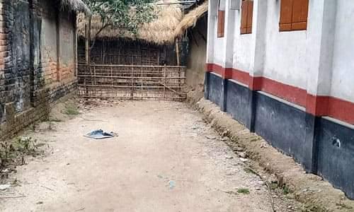 ঠাকুরগাঁও বালিয়াডাঙ্গীতে বেড়া দিয়ে রাস্তা বন্ধের অভিযোগ,ভোগান্তিতে জনগন
