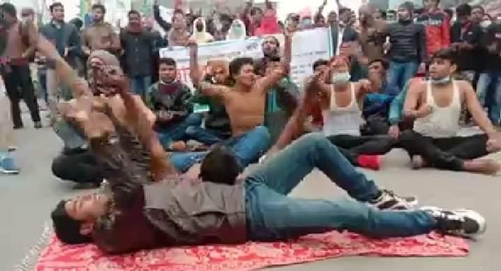 রংপুর সরকারি-বেসরকারি পলিটেকনিকের শিক্ষার্থীদের ৪ দফা দাবিতে বিক্ষোভ