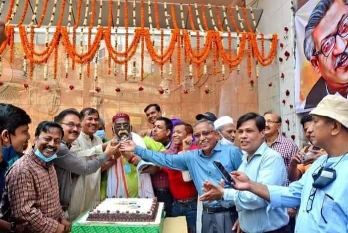 চট্টগ্রাম প্রেসক্লাব ও সাংবাদিক ইউনিয়নের উদ্যোগে বঙ্গবন্ধুর জন্মবার্ষিকী পালন