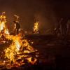 ভারতের রাজস্থানে করোনায় মৃত বাবার চিতায় ঝাপ দিলেন ছোট মেয়ে চন্দ্রা শারদা
