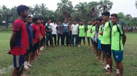 তেরখাদা উপজেলার কাগদী গ্রামে প্রীতি ফুটবল ম্যাচ অনুষ্ঠিত