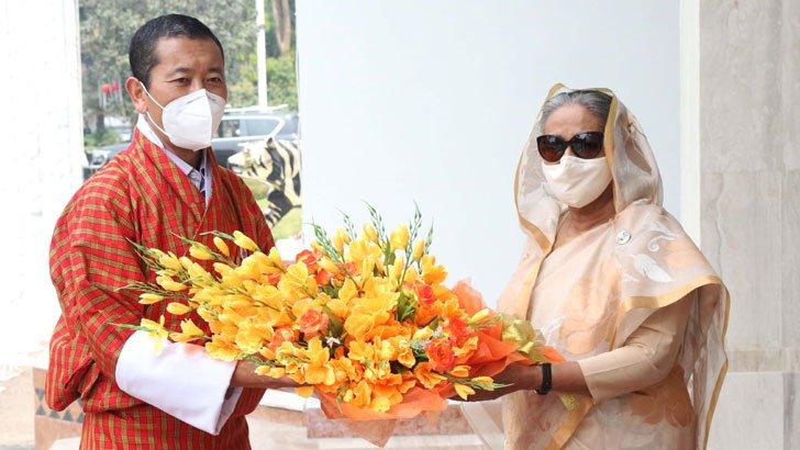 শেখ হাসিনা আমার 'মায়ের মতো',বাংলাদেশ আমার সেকেন্ড হোমঃ ভুটানের প্রধানমন্ত্রী