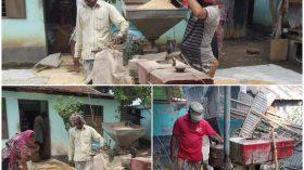 রূপগঞ্জে কৃষকের বাড়িতে শ্যালো মেশিনে ধান ভাঙ্গা জনপ্রিয় হচ্ছে