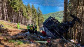 ইতালিতে ১০০ মিটার ওপর থেকে ক্যাবল কার তার ছিড়ে মাটিতে পড়ে ১৪ জন নিহত